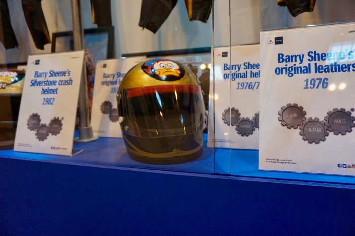 twitter-pix-of-barry-sheenes-racing-helmet